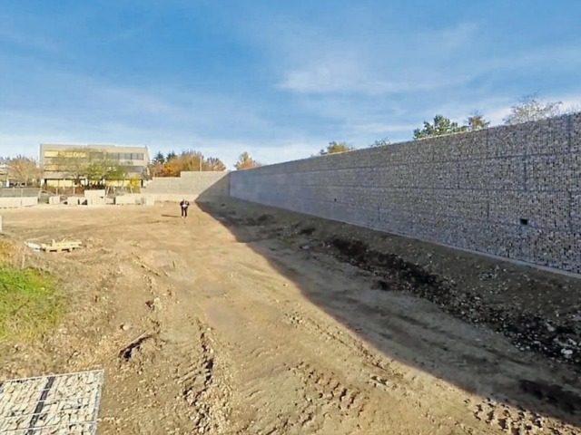 munich-migrant-wall