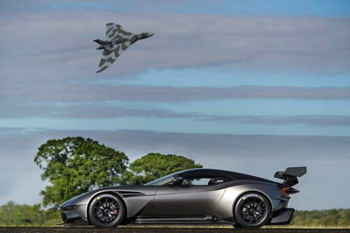 Aston Martin Vulcan Side view