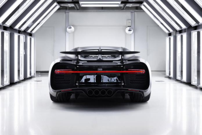 Bugatti Chiron Edition Noire Sportive with Red Tail Lights