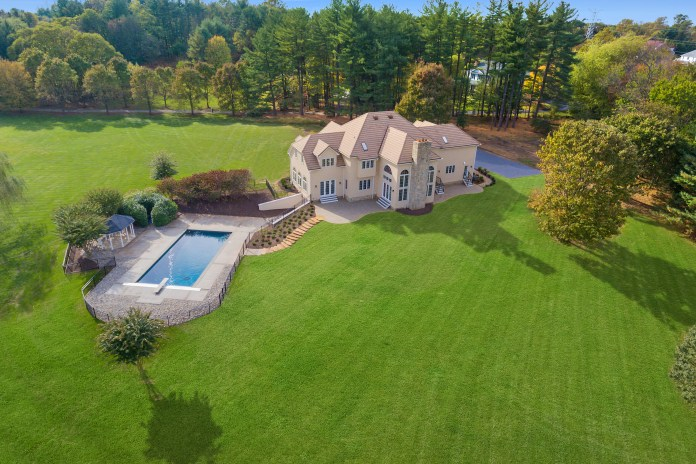 Real-Estate-photography-drones-GlobalTechGadgets