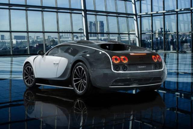 LIMITED EDITION BUGATTI VEYRON BY MANSORY VIVERE Back view