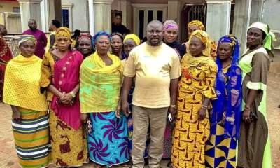 The Kogi East APC zonal Chairman, Hon. Muhammed Nasiru Alfa alongside women from Ofu LG and beneficiaries of Kogi East Senator's empowerment program