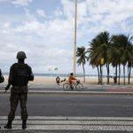 """""""El Ejército no mató a nadie"""", dice Bolsonaro después de que soldados dispararon a auto familiar y mataron a una persona en Brasil"""