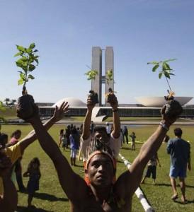 Protesto da Comunidade Indígena em Brasília