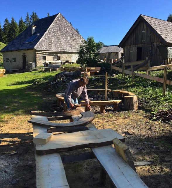 In the easternmost trace of the Alps, the hutkeeper and herdsman of the Herrnalm builds new outdoor furniture for hikers.