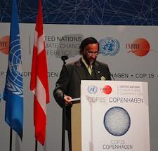 Scientists Behaving Badly – Raina Demands Public Apology, IPCC's Pachauri Remains Defiant – Nobody Wins