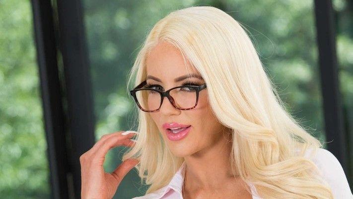 Nicolette Shea