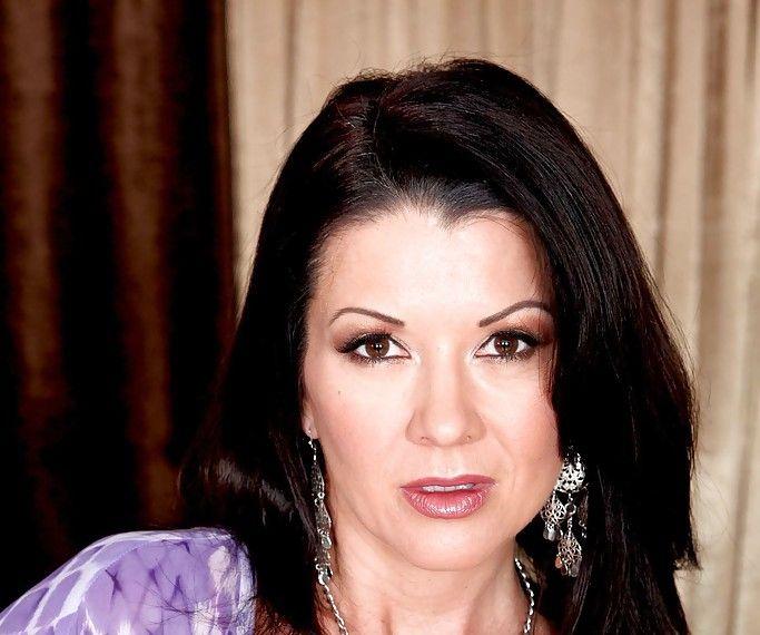 Raquel Devine