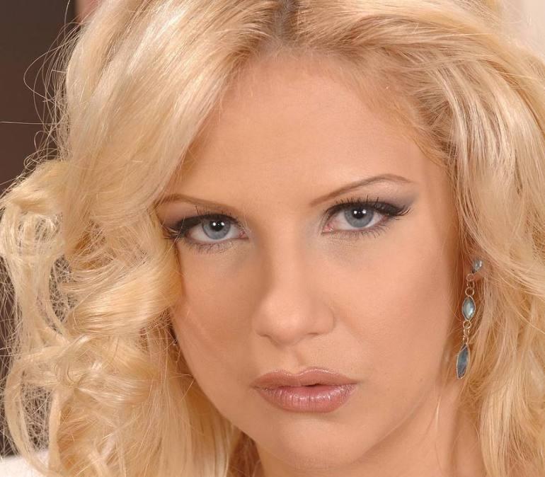 Caroline De Jaie