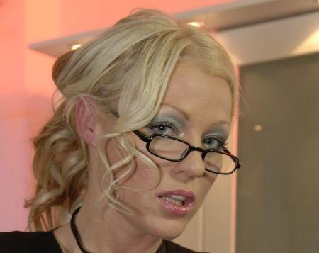 Cindy Behr