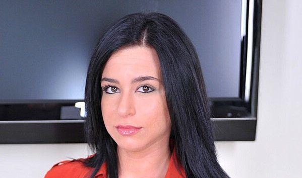 Adriana Lynn