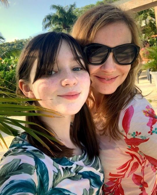 Alexa Swinton with Her Mother