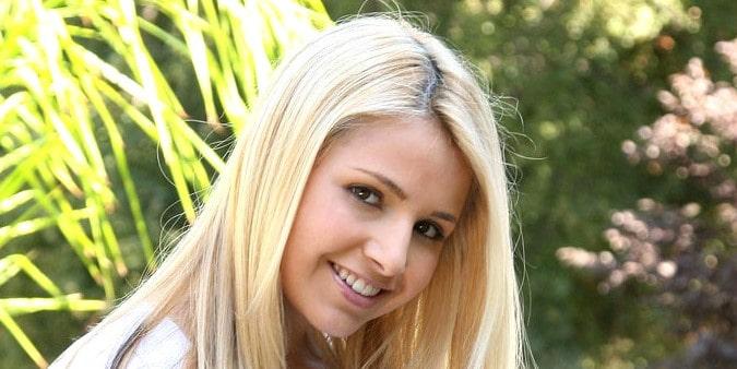 Sandra Larosa (Sandy Summers)