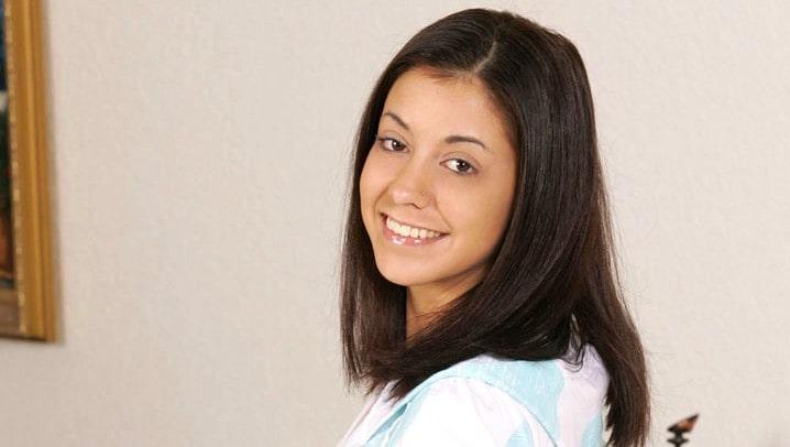 Nikki Vee