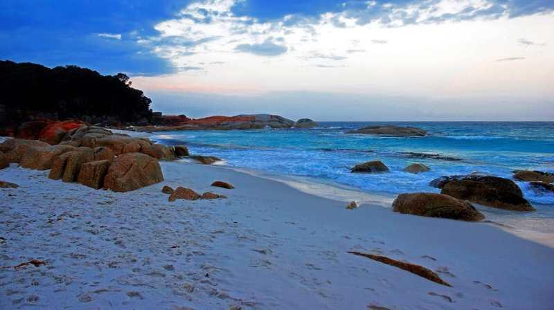 Bay of Fires Tasmanie au coucher du soleil