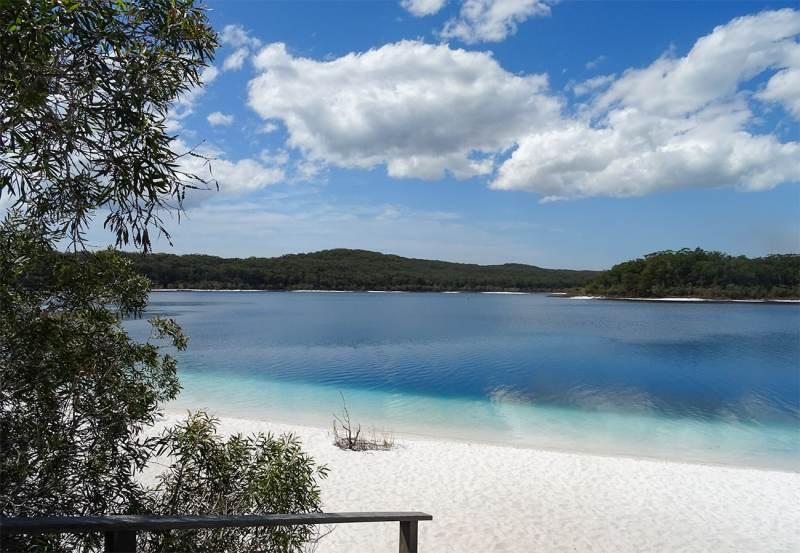 Fraser Island sur la côte Est de l'Australie et le Lake McKenzie