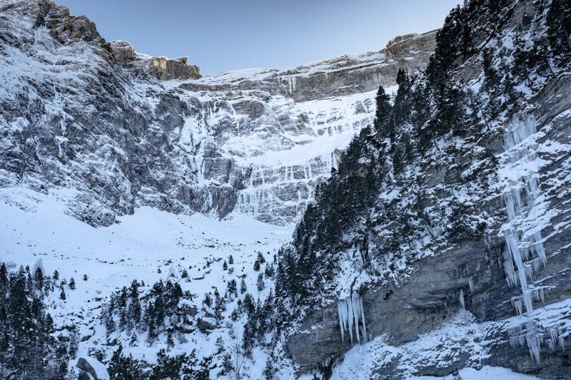 Cirque de Gavarnie en hiver : randonnée en raquettes