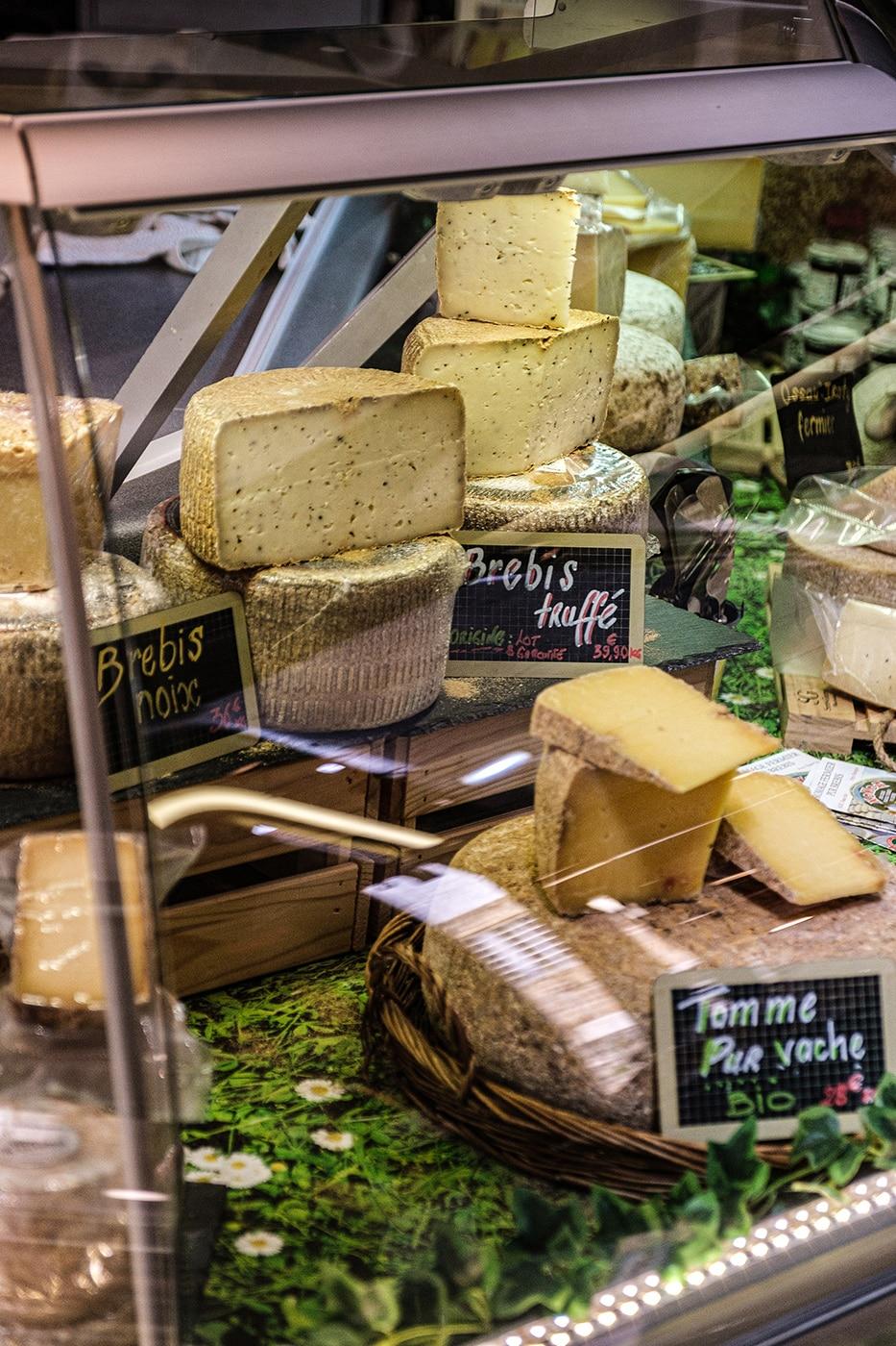 Fromage du Périgord au marché couvert de Sarlat