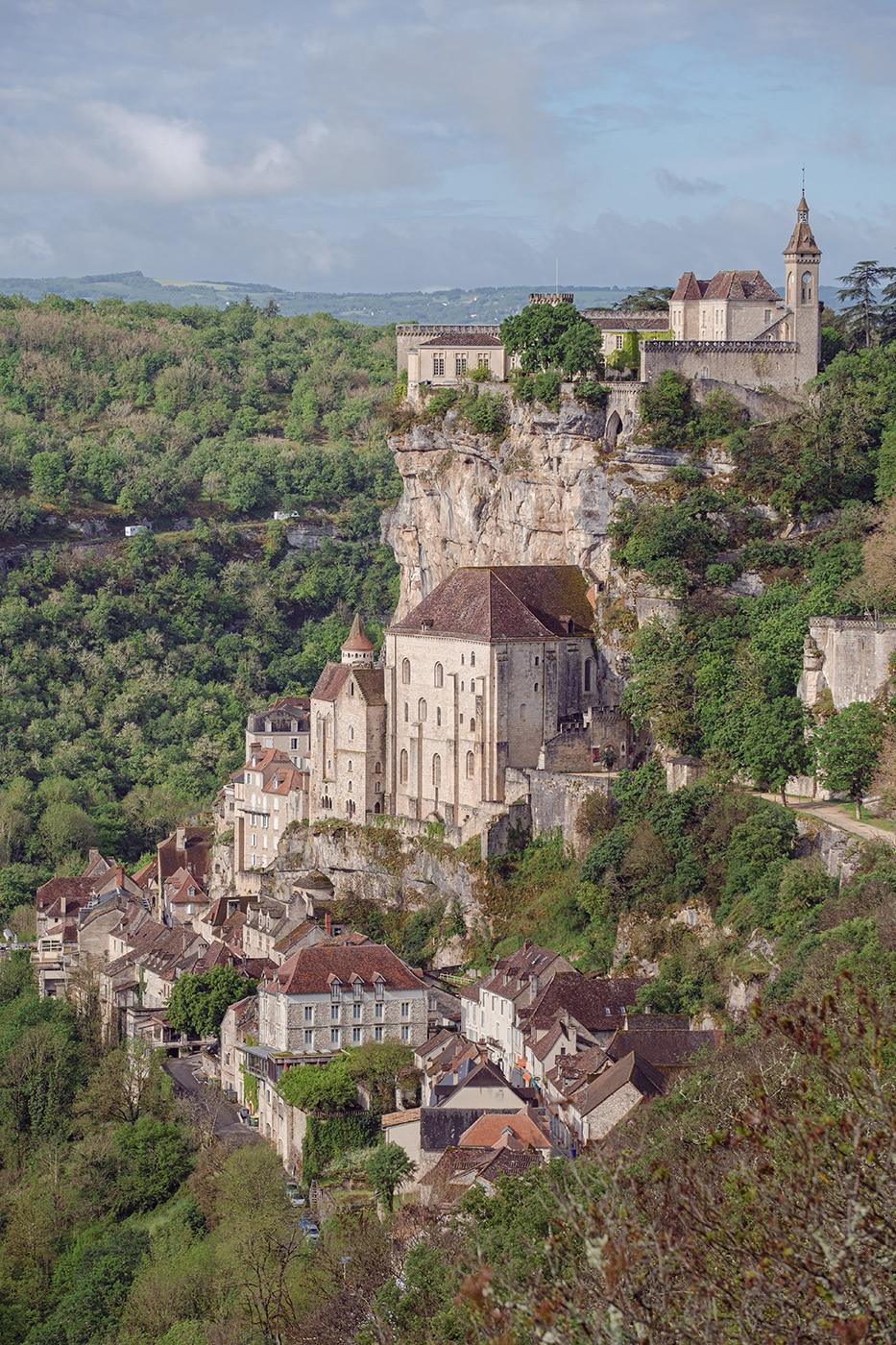 Ville de Rocamadour photo vue de loin