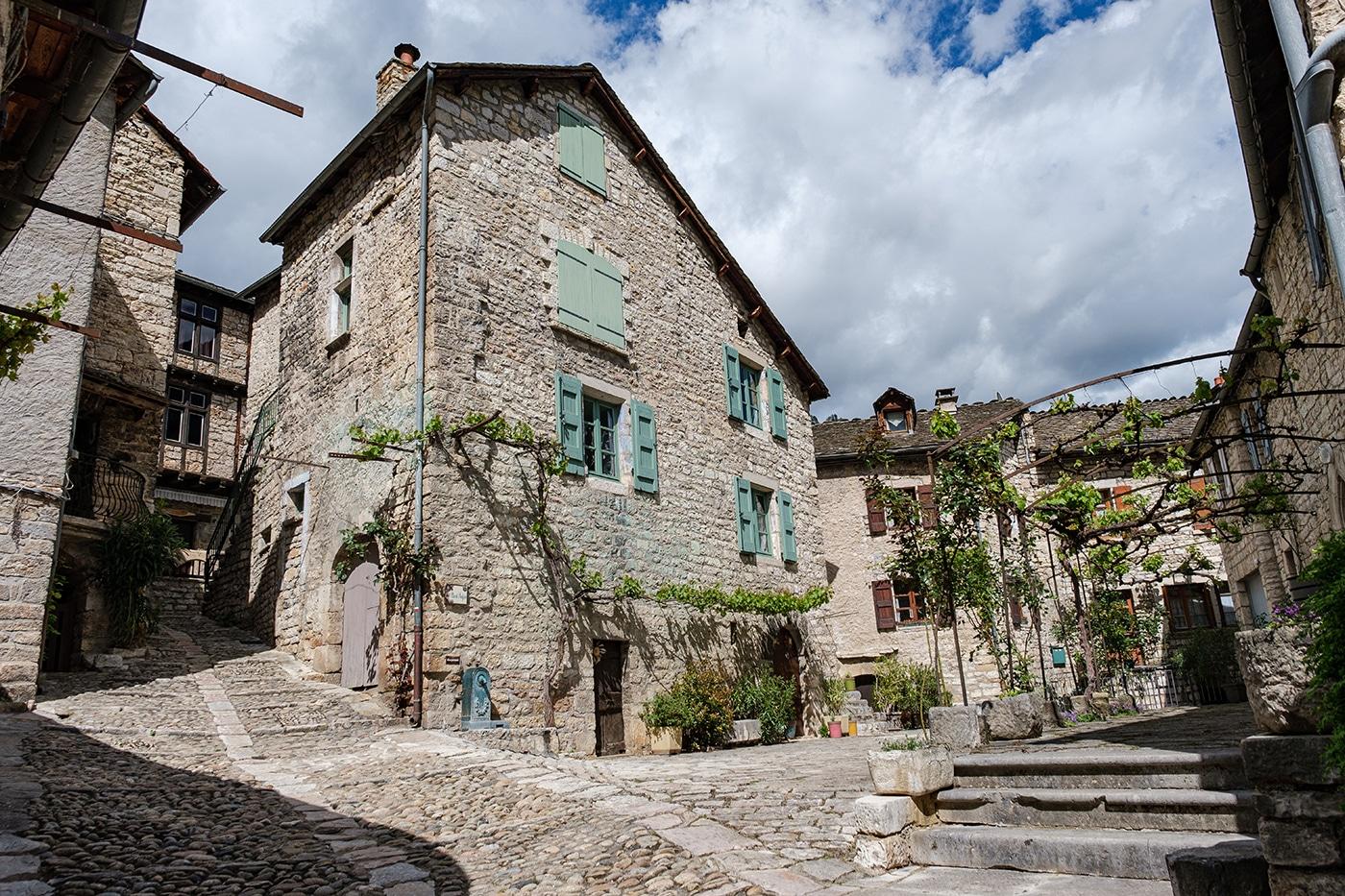 Sainte Enimie plus beau village de France en Lozère dans les gorges du Tarn