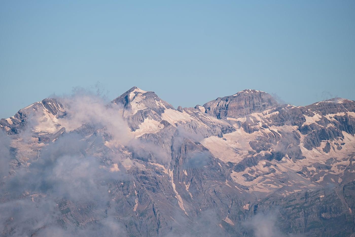 Vue sur le Mont Perdu depuis les Posets