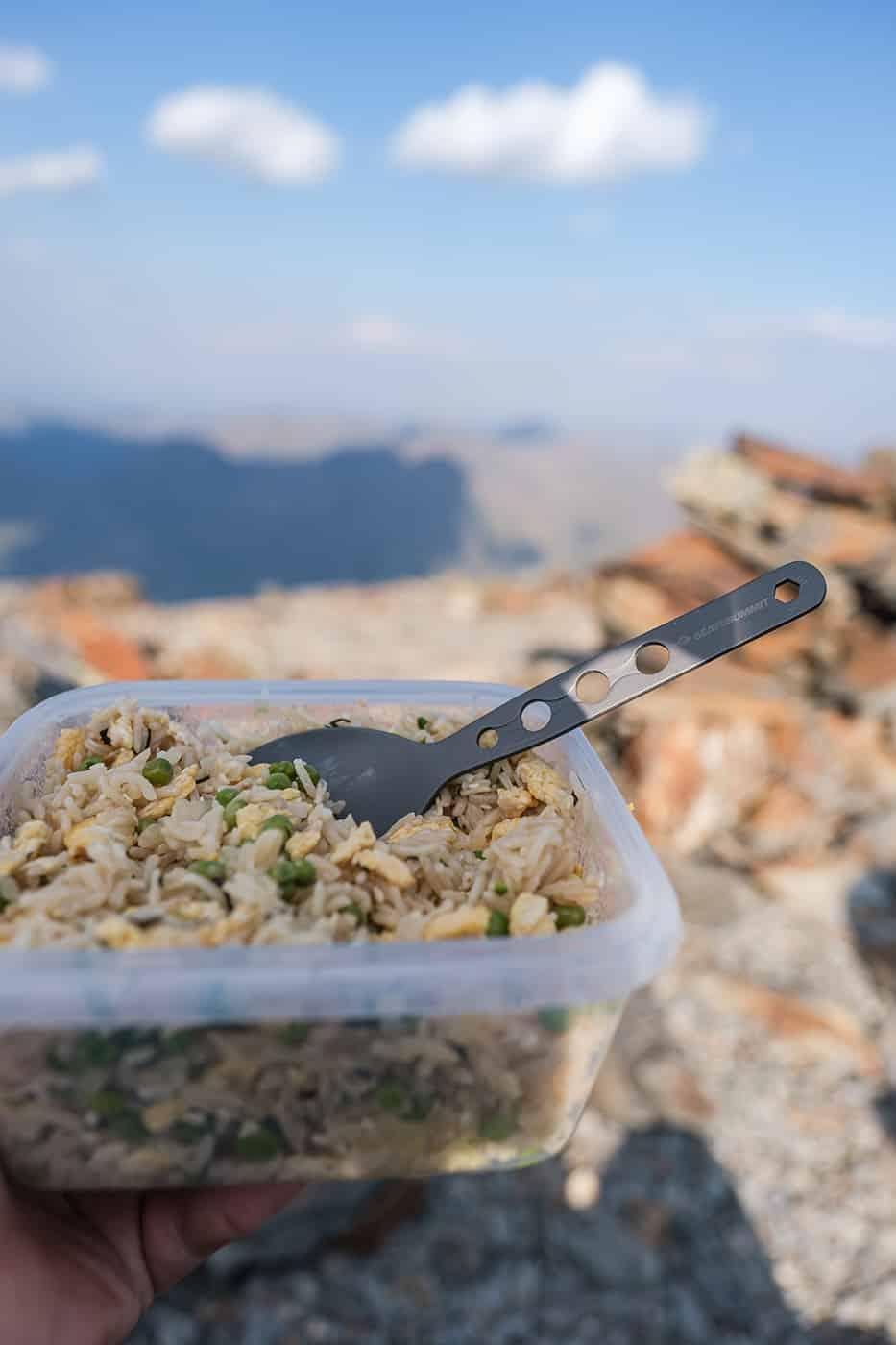 Repas au sommet du pic du Montcalm