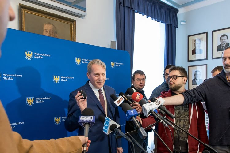 Marszałek Województwa Śląskiego podczas konferencji poświęconej projekcie ustawy antysmogowej dla Województwa Śląskiego