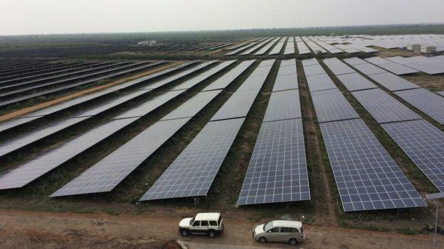 Największa na świecie farma fotowoltaiczna w Kamuthi w południowych Indiach