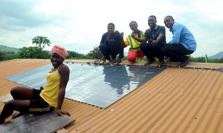 Innowacyjne elastyczne panele fotowoltaiczne firmy Sunflare