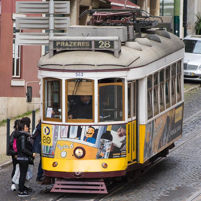 Lisbonne - le tram 28