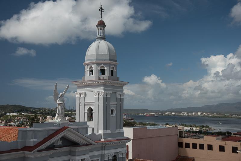 Cuba - Santiago - Cathedrale et baie