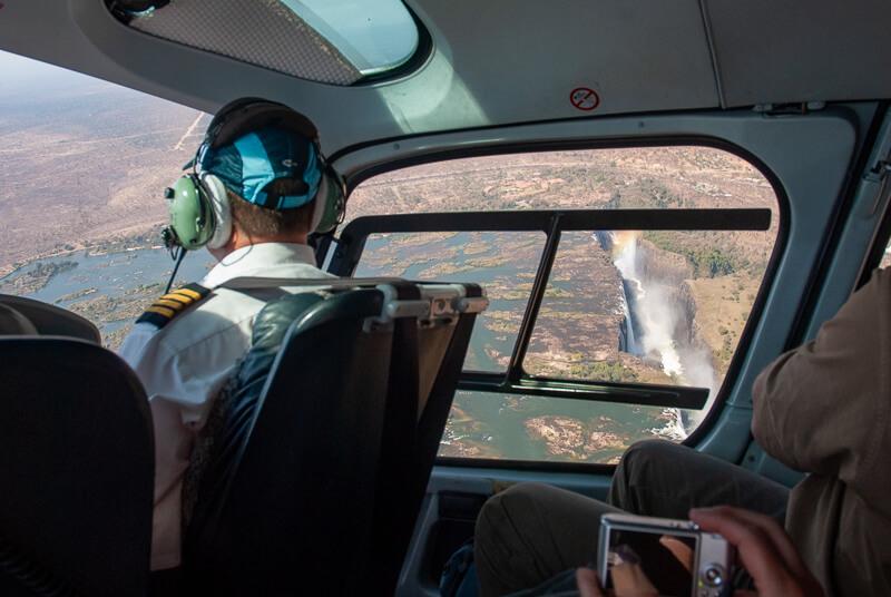 Afrique australe - Zambie, dans l'hélicoptère au-dessus des chutes
