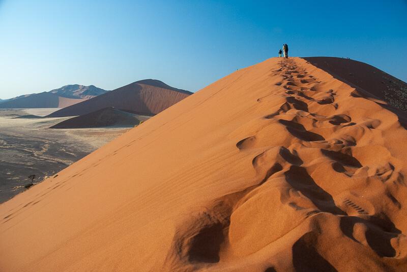 Afrique australe -Namib, - dure, dure, l'ascencion des plus hautes dunes du monde