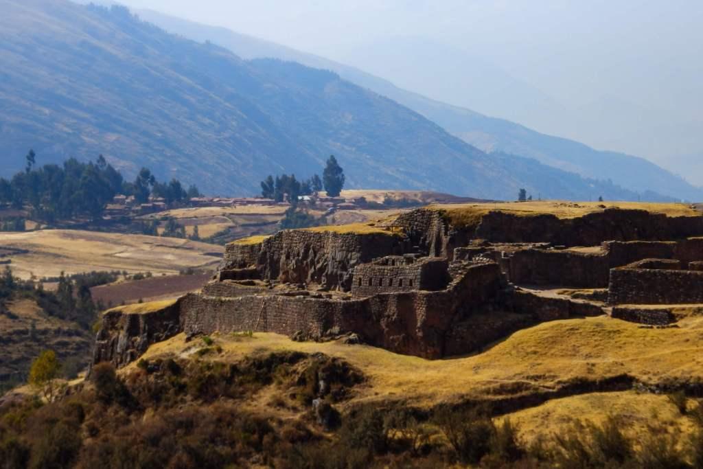 Pérou, Cuzco - Pukapukara, la forteresse rouge.