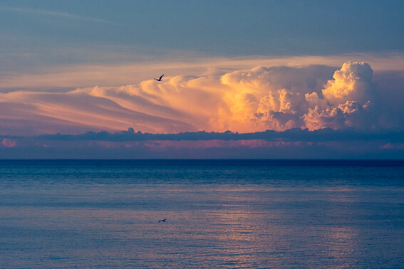 France - Baie de Collioure, nuages d'orage