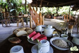 Frühstück in der Liana Lodge