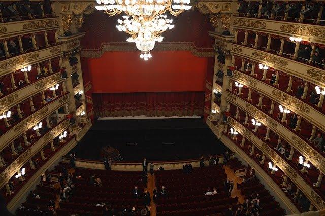 Come vedere uno spettacolo alla Scala spendendo 11€