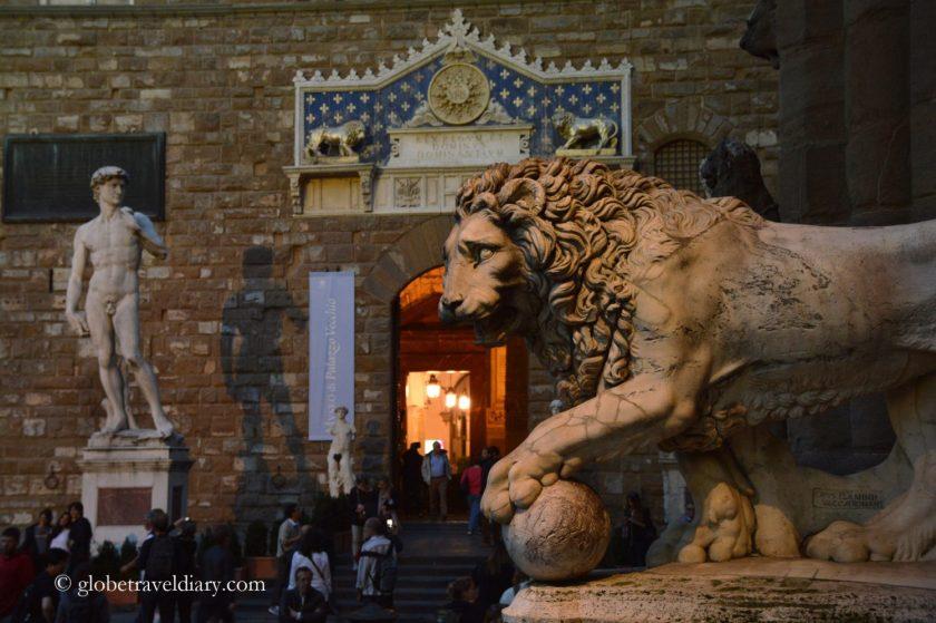 leone piazza della signoria