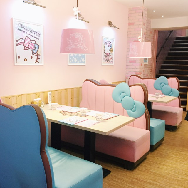 How cute are these booths??