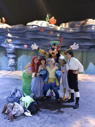 Only Goofy here is part of the Disney cast. All the others were regular patrons dressed up as Disney characters!