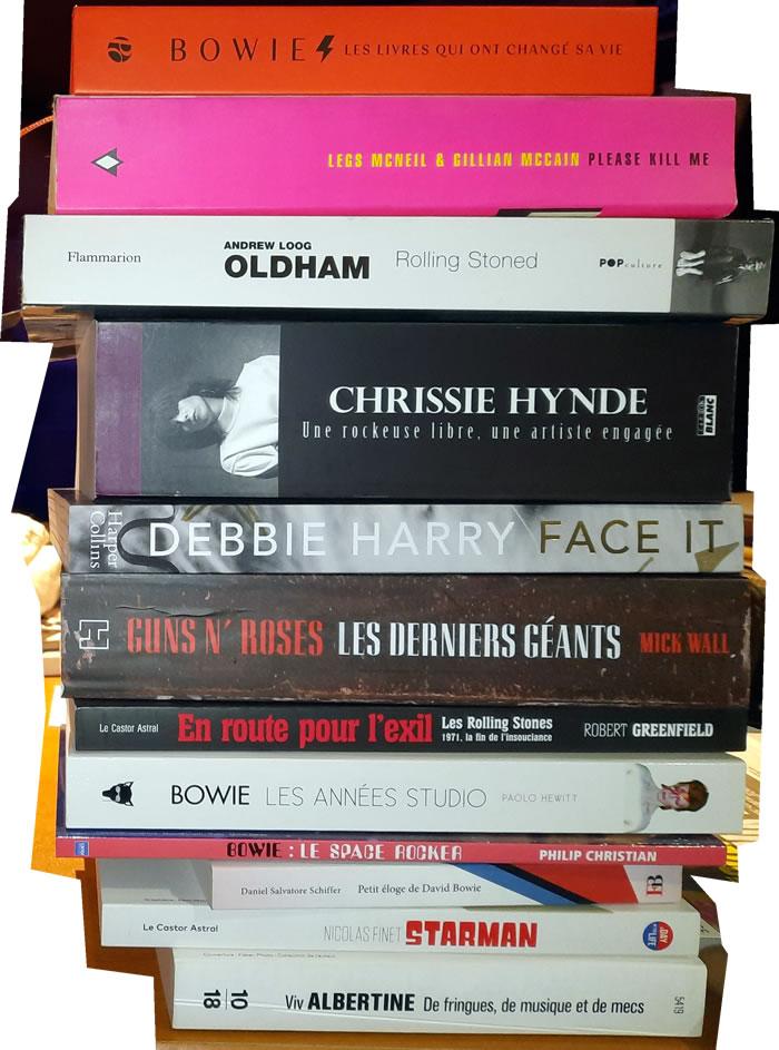 Des livres de musique. Je critique pas.