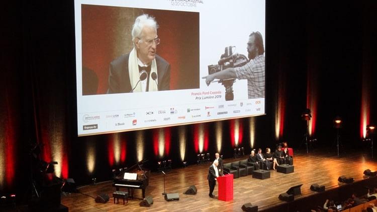 Bertrand Tavernier remet un prix à Coppola
