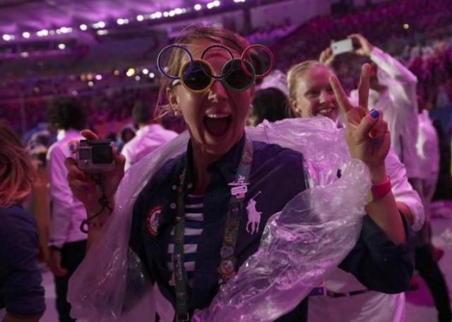 2016 Rio Olympics - Closing ceremony - Maracana - Rio de Janeiro, Brazil - 21/08/2016.   Participants celebrate during the closing ceremony.   REUTERS/Stefan Wermuth
