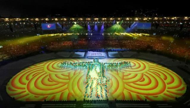 2016 Rio Olympics - Closing ceremony - Maracana - Rio de Janeiro, Brazil - 21/08/2016. Performers take part in the closing ceremony.   REUTERS/Fabrizio Bensch