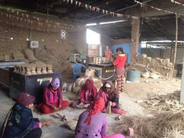 national-bamboo-products_workers