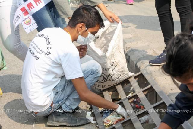nepalese-students-club-fiber-dustbin-5