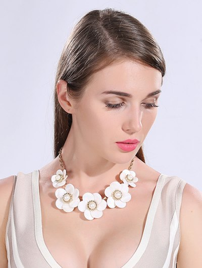 Faux Pearl Resin Floral Necklace