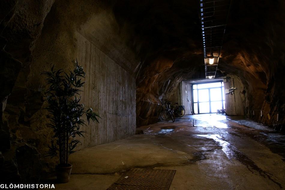 Huvudtunnelns mynning med den branta vinkeln