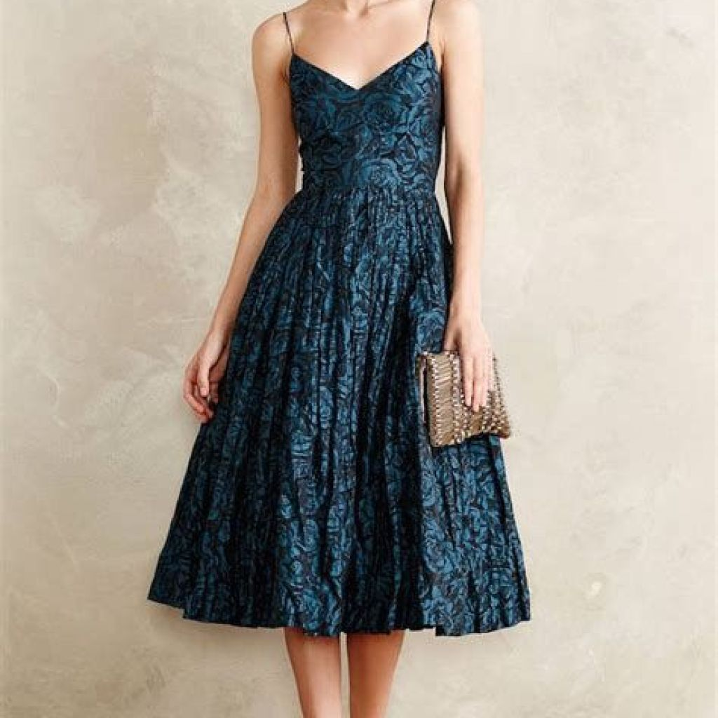 Adorable Fall Wedding Guest Outfits Ideas 37