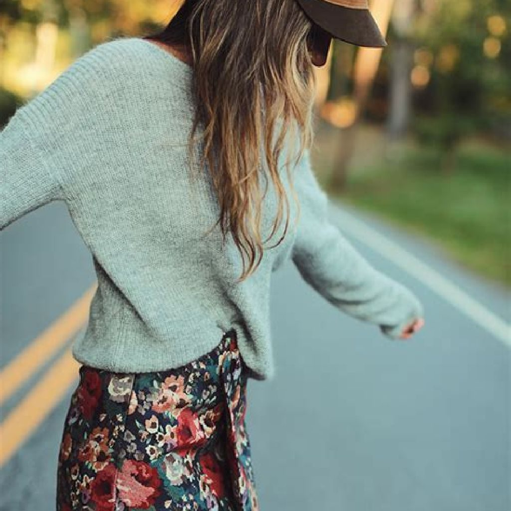 Adorable Sweater Style Ideas For Your Fall Season 02